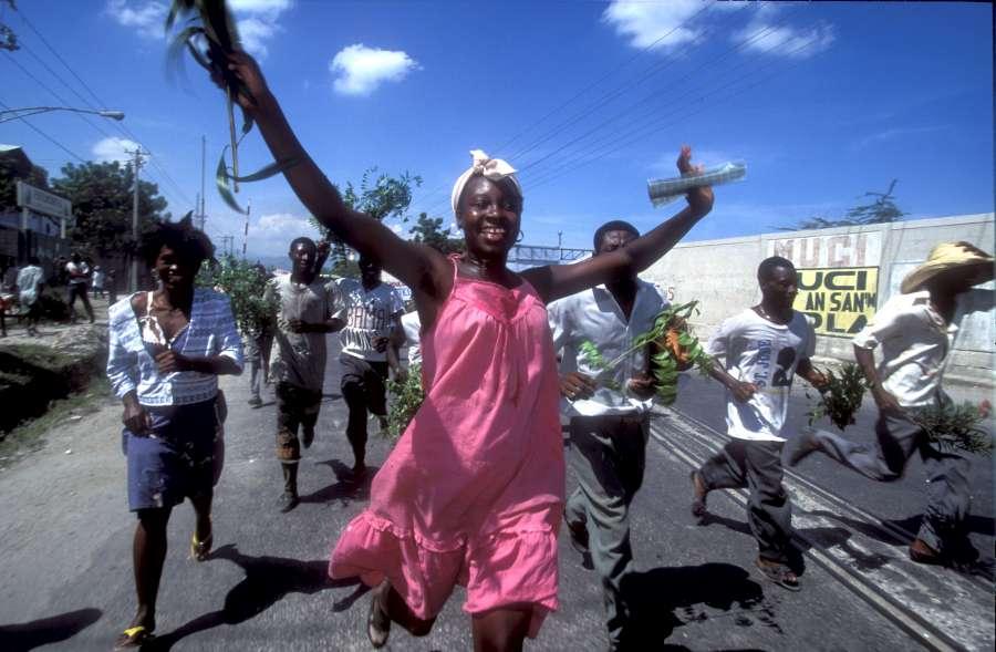 Portfolio Ralph. 10-900 1994 : Port au Prince, Haiti.