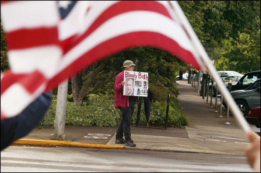 2004 : Protest against the war in Irak in Corvallis, Oregon.