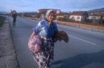 1992. Refugiés qui fuient les combats en Bosnie centrale.