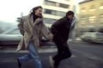 1993. Pendant le siège de la ville, chaque sortie dans les rues est potentiellement dangereuse. Les snipers guettent...les civils courent.